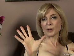 Nina Hartley might be mature, but shes still good looking in those sexy stockings and lingerie! Youthful Dia Lewa interviews her about her experiences in the porn industry...