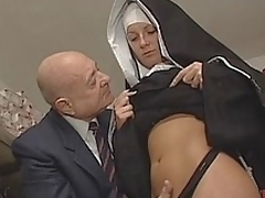 european milf hvit lingerie ass uniform slikking