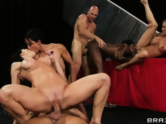 brunette milf blonde gruppe blowjob svart hd porno