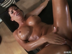 brunette hardcore milf blowjob store bryster squirt massasje hd porno