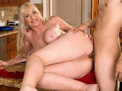 For her first on-camera fuck anywhere, 59-year-old Summeran Winters reenacts one of our favorite scenarios: MILF seduces the delivery boy. Now, if youve ever been a delivery boy, you know this kind of thing happens all the time. Real-life MILFs actually do seduce the delivery boy, whether its the pizza man or the supermarket guy.The thing is, though, usually, the delivery lad is on the receiving end of the most good blow job of his life. In rare instances, this guy gets some slit to fuck. But how often does this guy get to fuck the MILF in the..