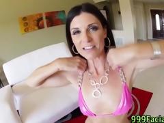 brunette milf babe handjob blowjob små pupper synspunkt hd porno