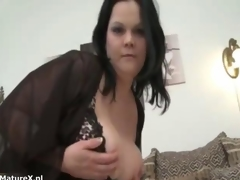 Nasty mature bbw whore shows her bore off